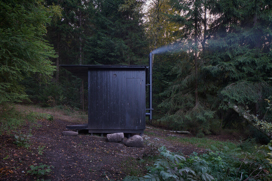 Tiny House Done: A Nature-Friendly and Cozy House by DDAANN Studio