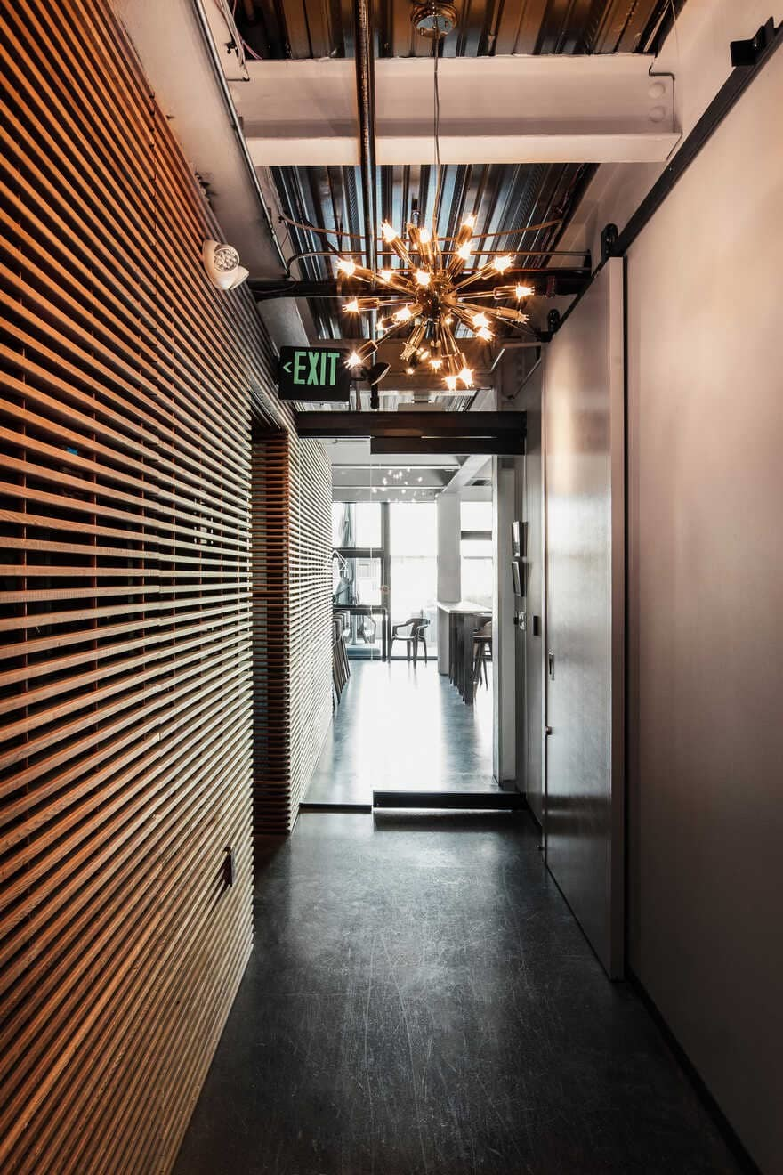 Cloud Room, Seattle / Graham Baba Architects