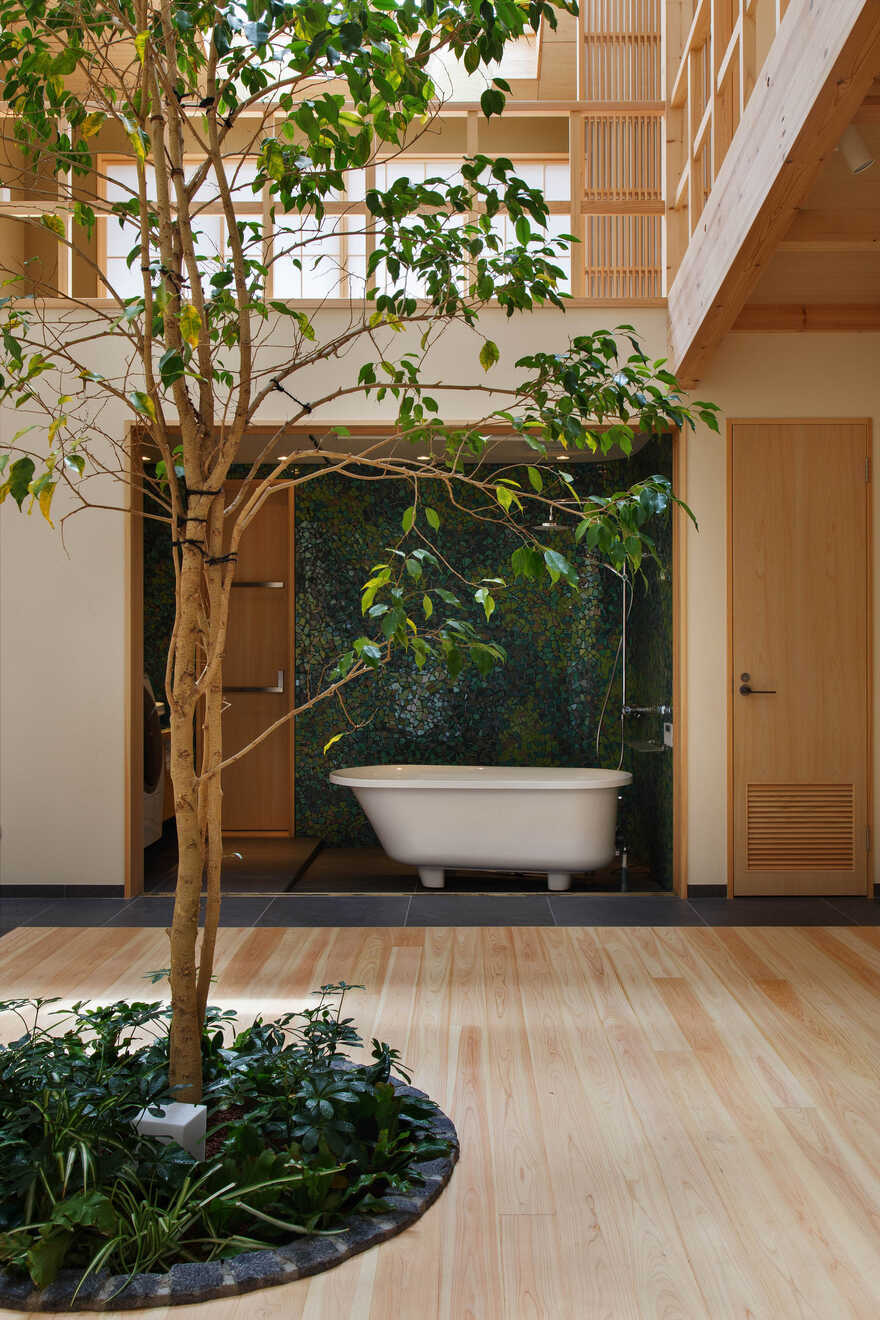 House in Kyoto That Combines Modern Structure with Traditional Japanese Style
