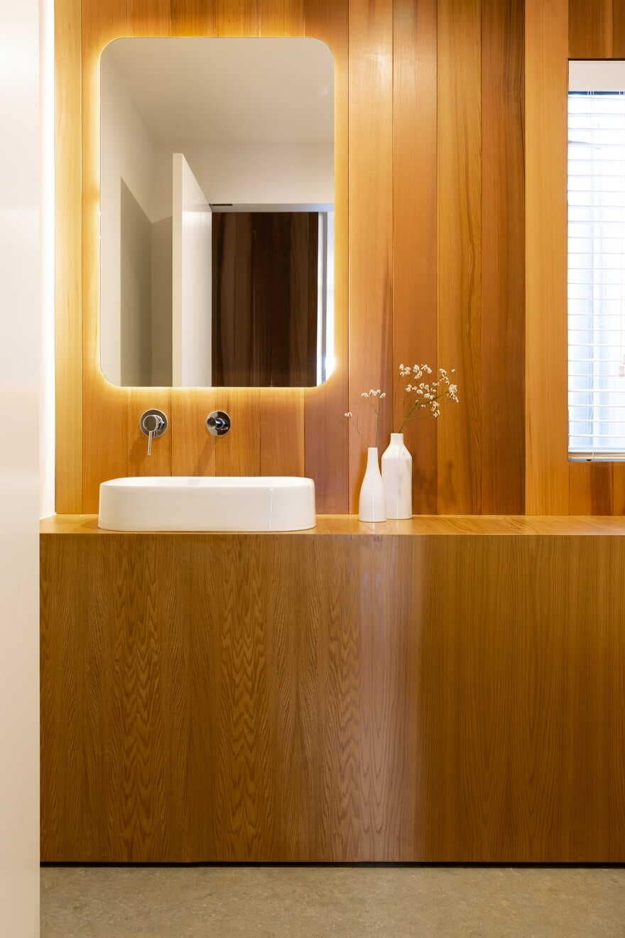 bathroom, New Zealand / Red Architecture