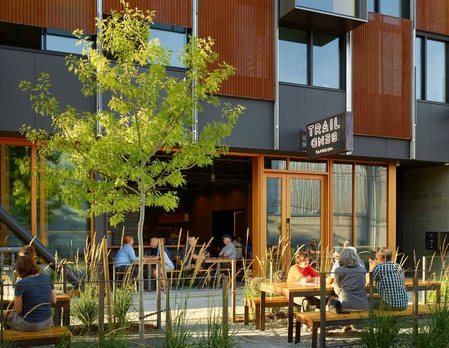 Trailbend Taproom, Seattle / Graham Baba Architects