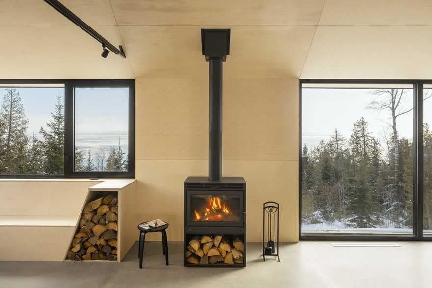 fireplace / Bourgeois Lechasseur Architects