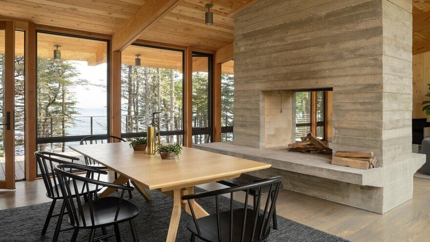 dining room / Whitten Architects