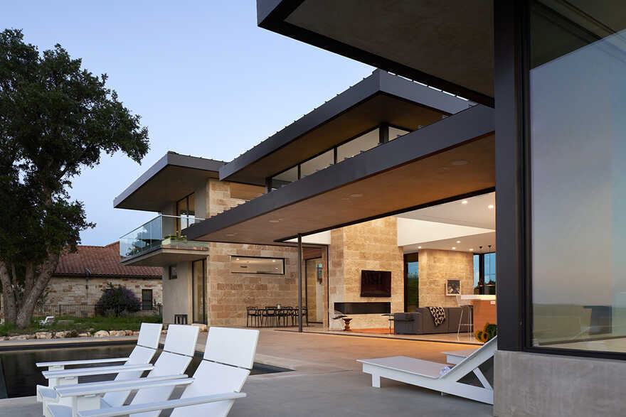 Lago Vista House, Texas / Dick Clark + Associates