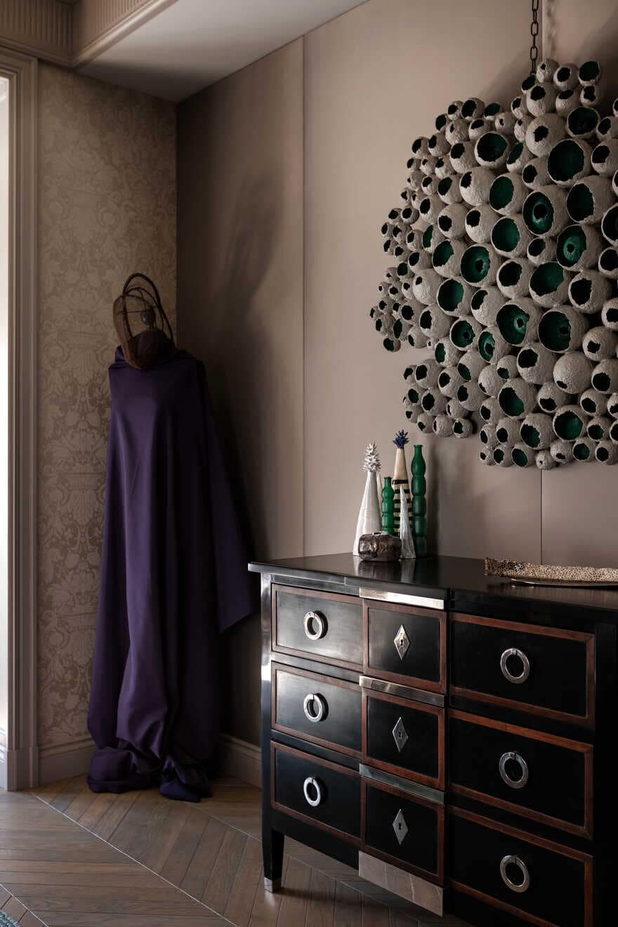 Modern Eclectic Apartment: Decoding by Alexandrine Lukach