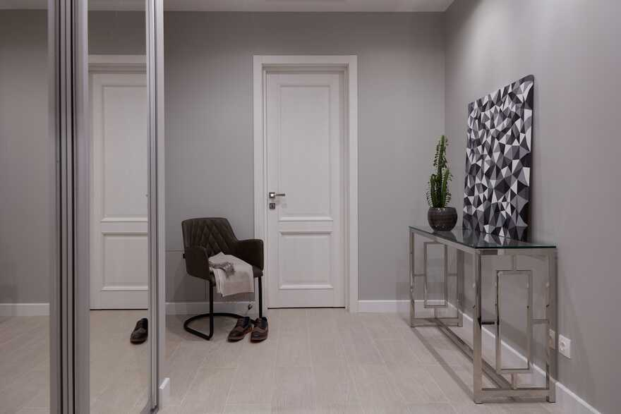 Apartment for Young Moscow Oil Trader and His Girlfriend