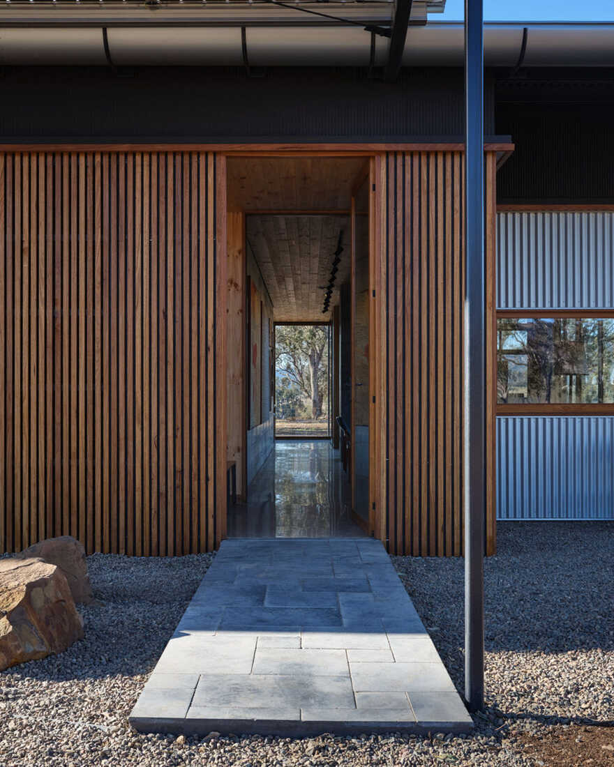 entrance / Alexander Symes Architect