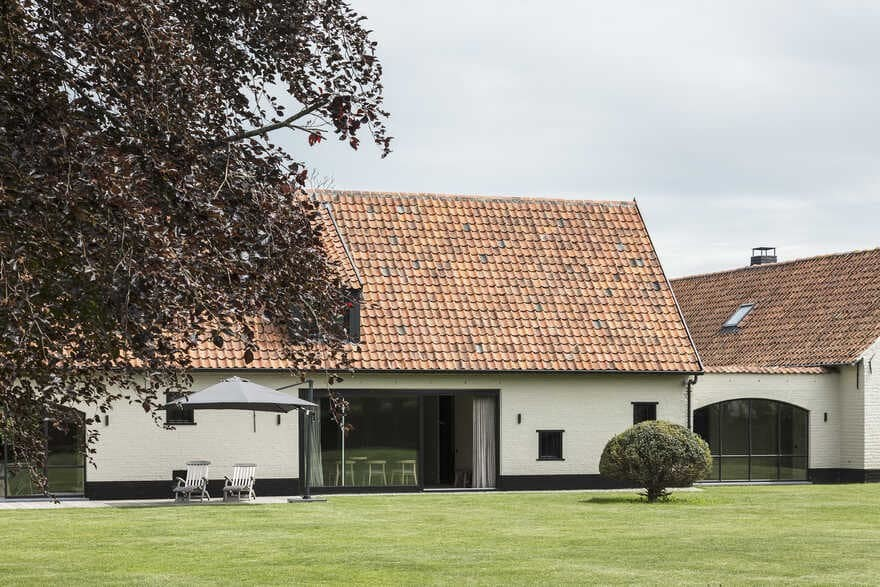 Old Belgian Farm Restored and Modernized by JUMA Architects