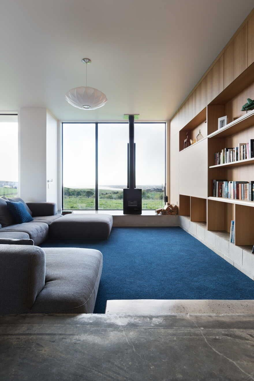 living room / Red Architecture
