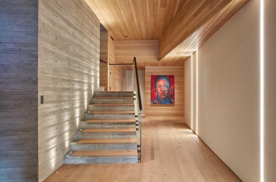 Sapire Residence - Organic Materials Layered in the Mountains