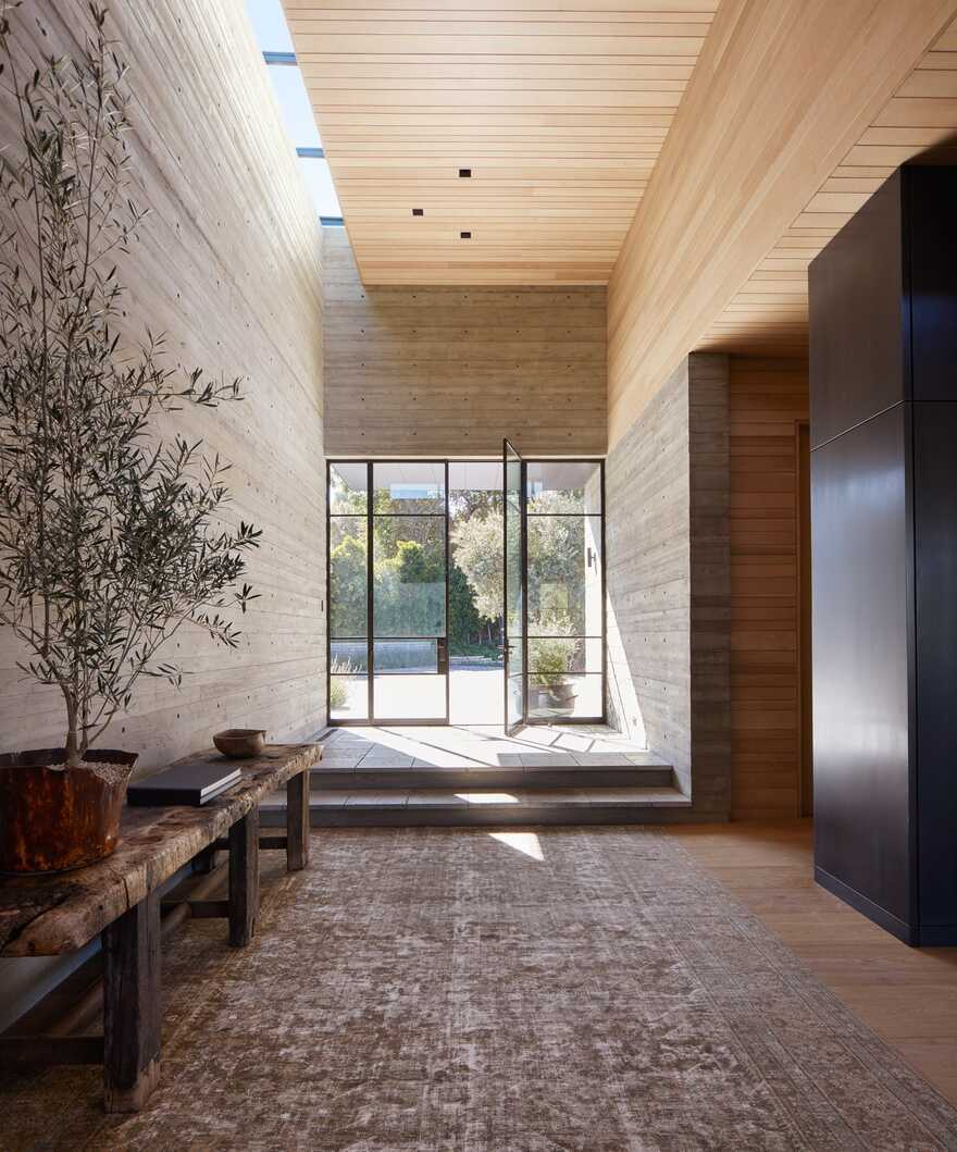 entrace hall, Abramson Architects