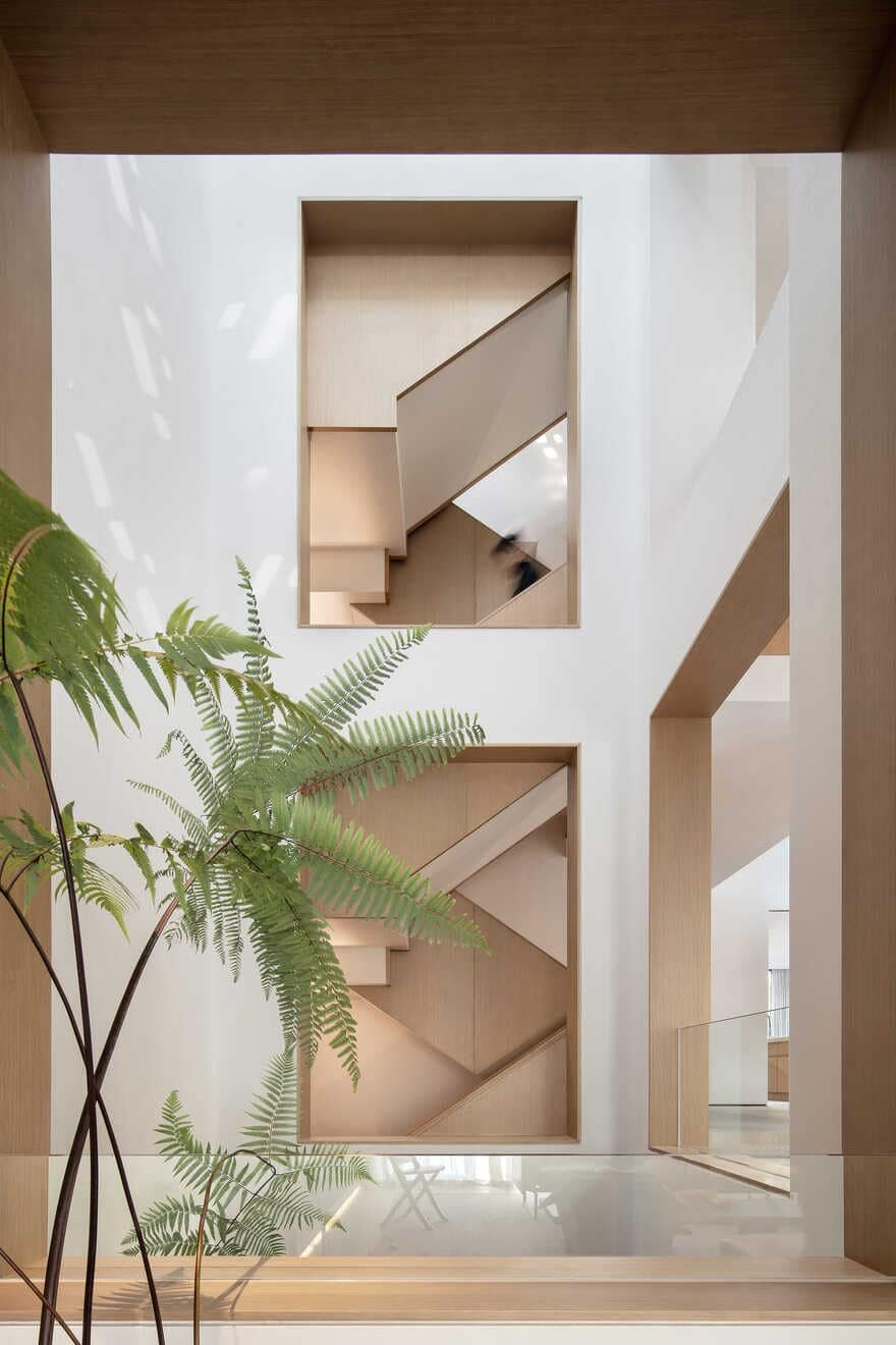 Stairs-and-hollow-space / Liang Architecture Studio