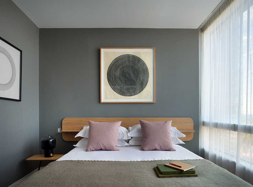 bedroom, London / WOMO Architects