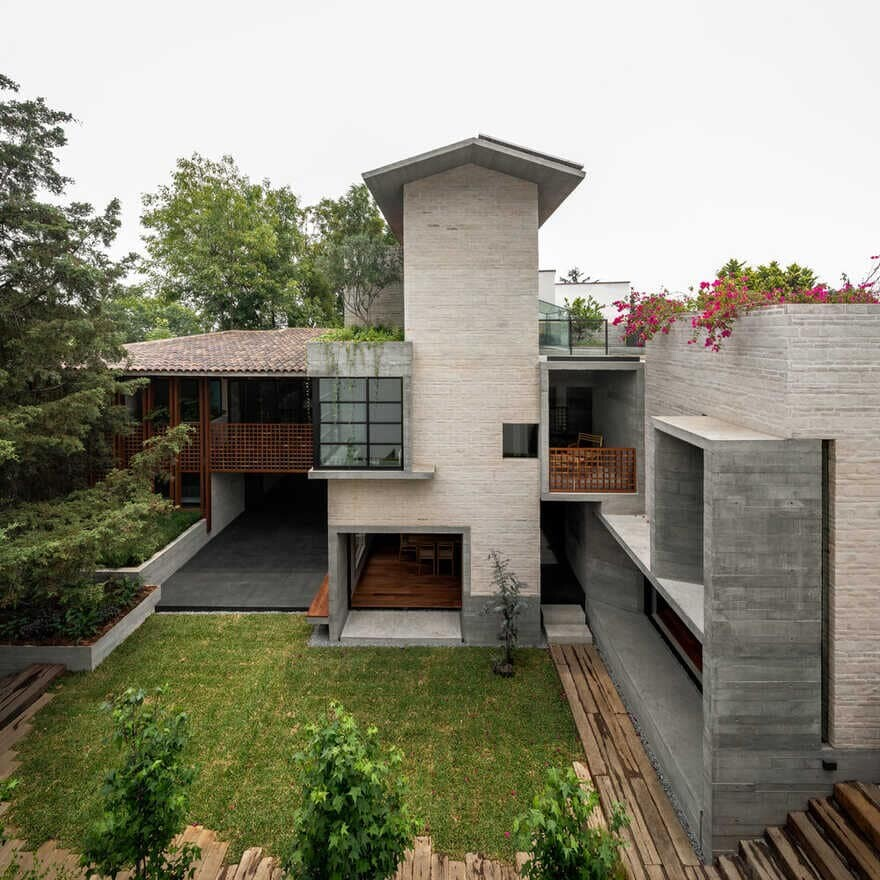 outdoor, Mexico City / Sebastian Mariscal Studio & Alfonso Frade