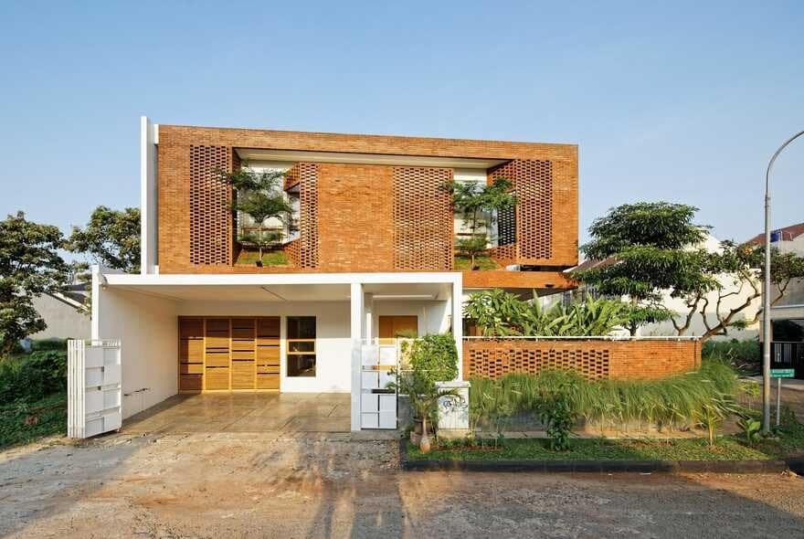 Flick House, Cinere, Indonesia / Delution Design Revolution