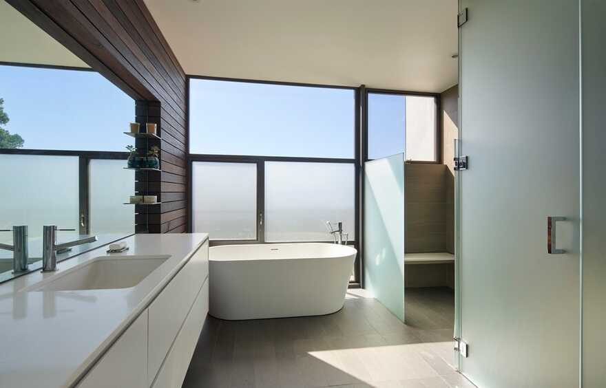 bathroom / Terry & Terry Architecture