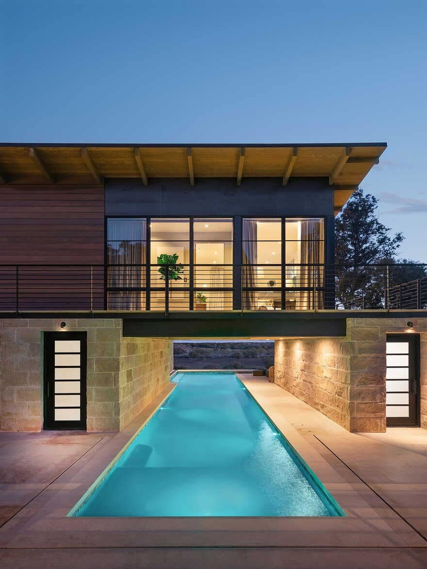 pool / J Christopher Architecture