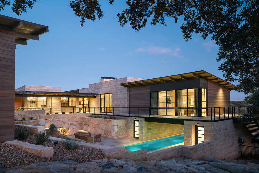 residential / J Christopher Architecture