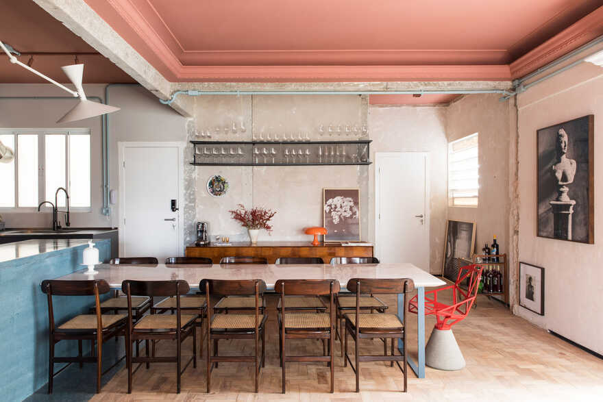 São Paulo Condo Featuring Bold Colours and Historic Elements