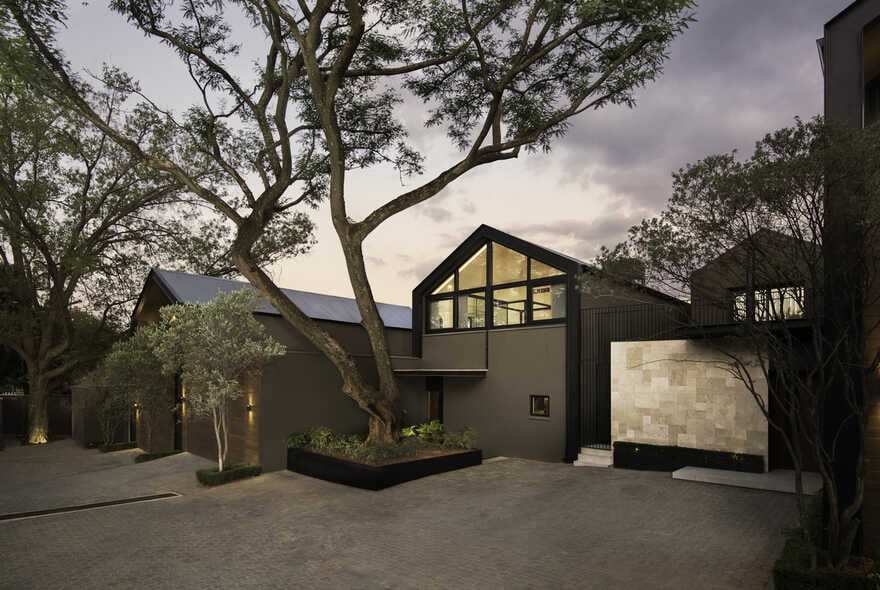 38 Morsim Road Houses, Johannesburg / Daffonchio Architects