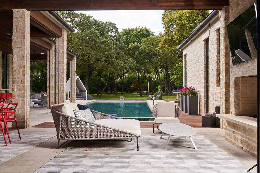Southlake Dallas Home Incorporates Well Design and a Stellar Art Collection
