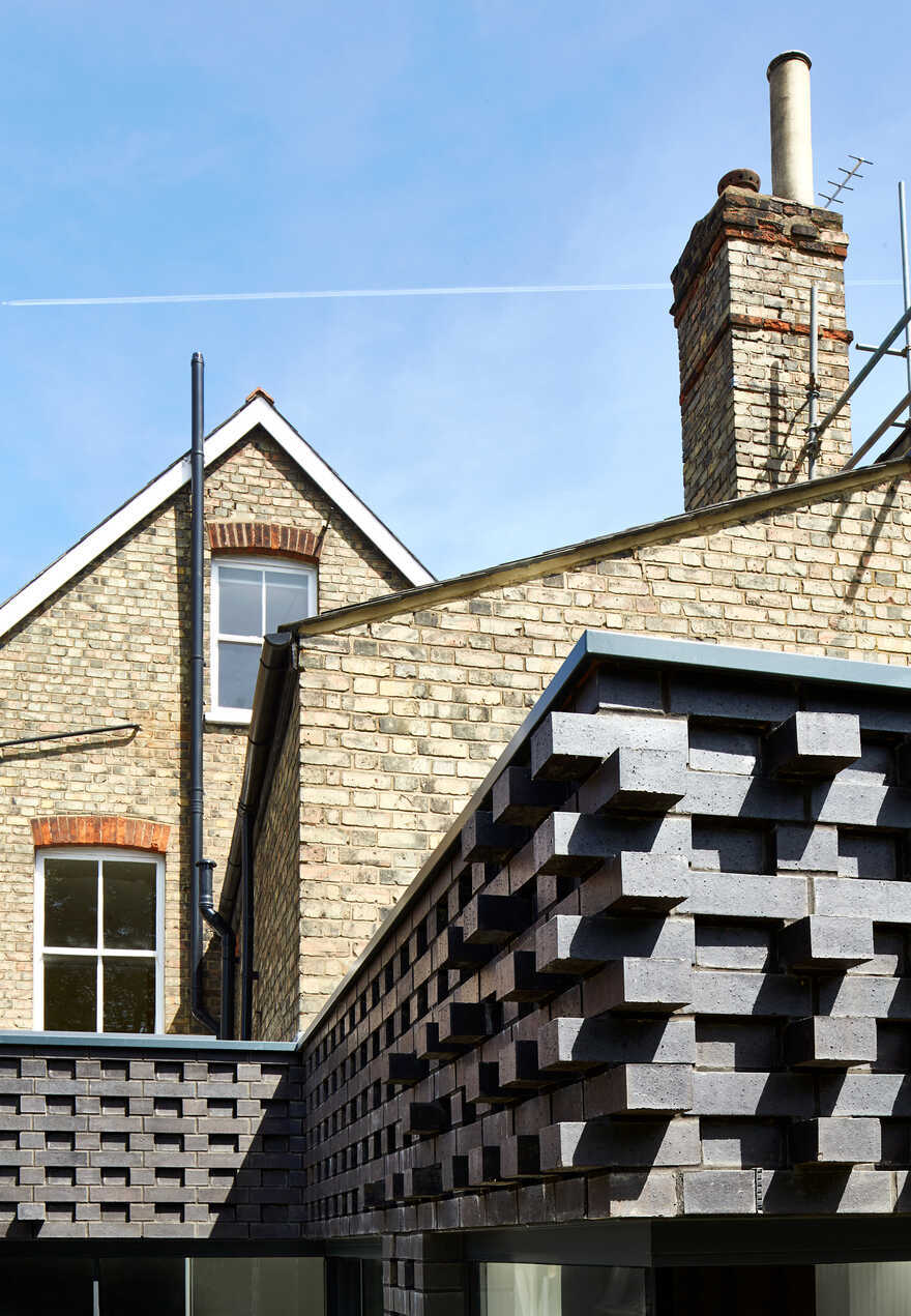 Ridge Road - Extension and Refurbishment by Mulroy Architects
