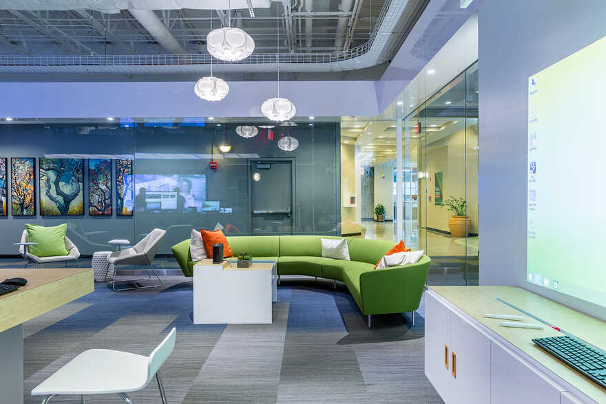 offices interiors, Round Rock, Texas / Cushing Terrell