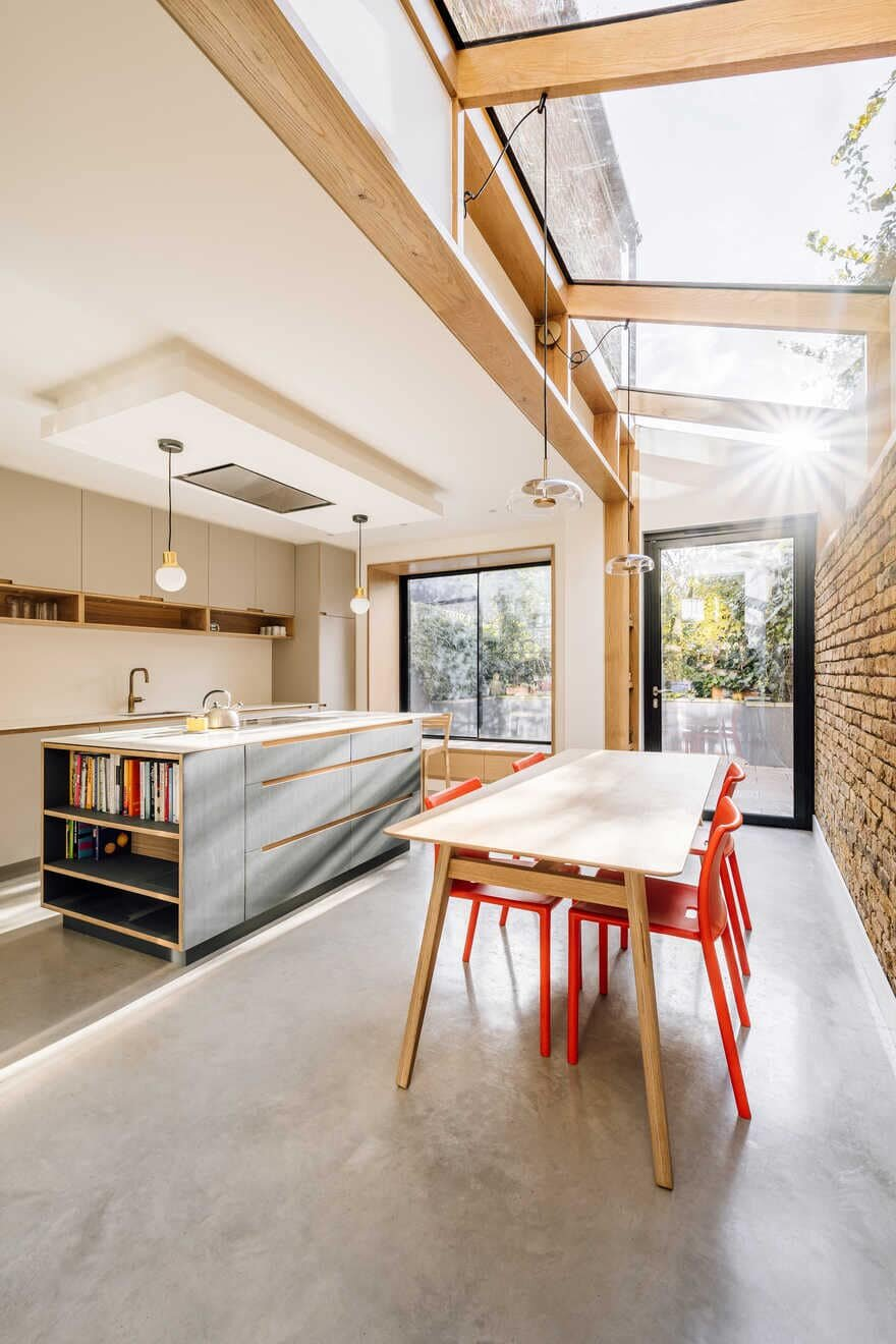 kitchen +dining space / Material Works Architecture