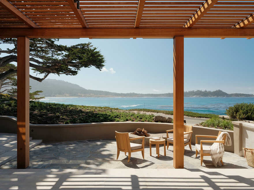 Coastal Architecture and Interiors that Celebrate All Things California / Studio Schicketanz
