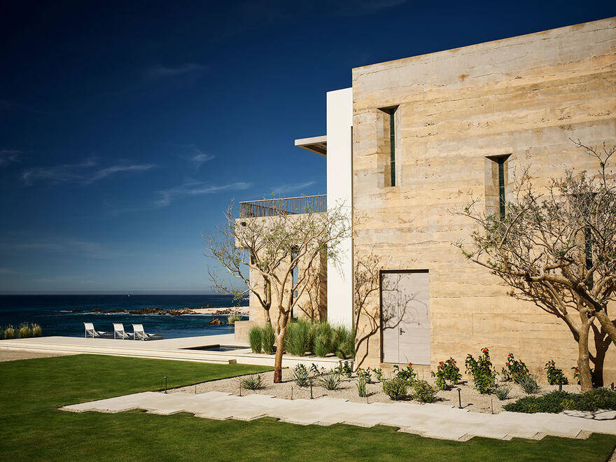 Mexican Coastal House by Walker Warner Architects