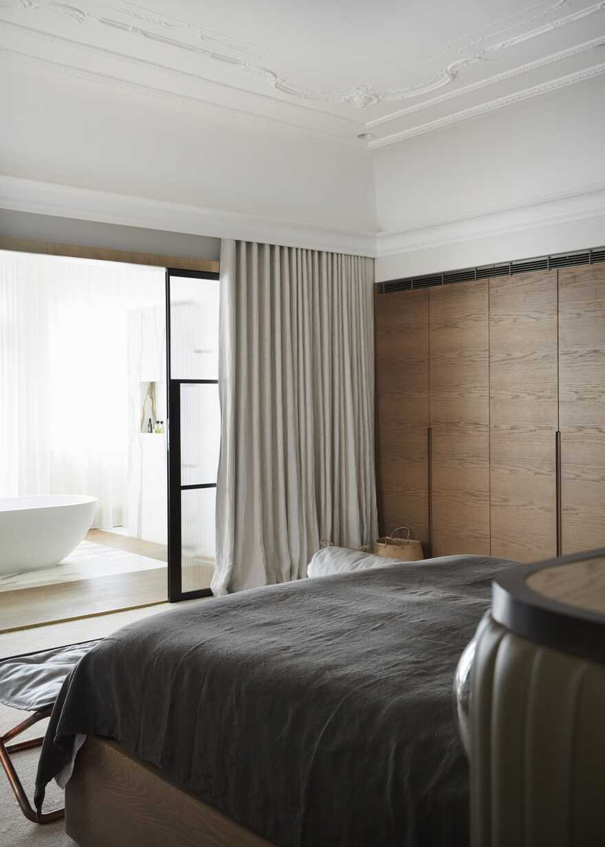 bedroom by Luigi Rosselli Architects
