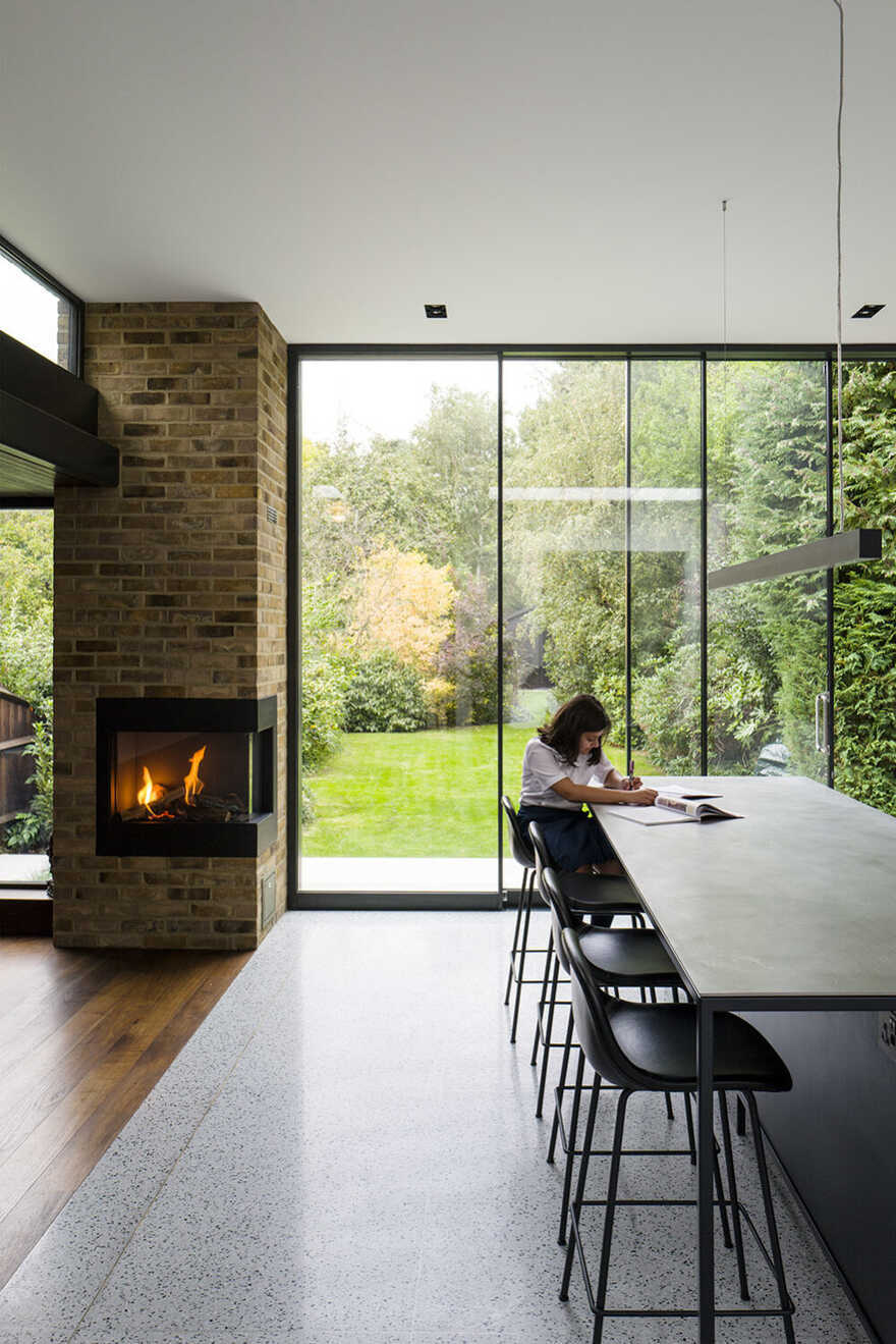 fireplace, dining room, London / Daykin Marshall Studio