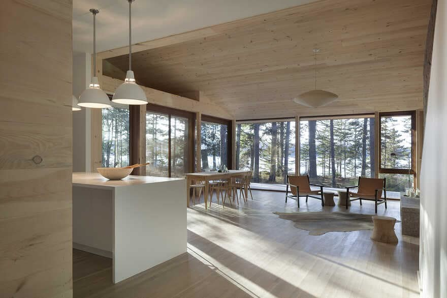Somes Sound House / Matthew Baird Architect