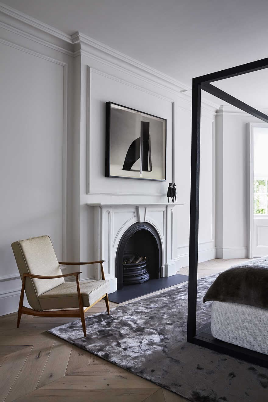 bedroom, fireplace / Originate Architects