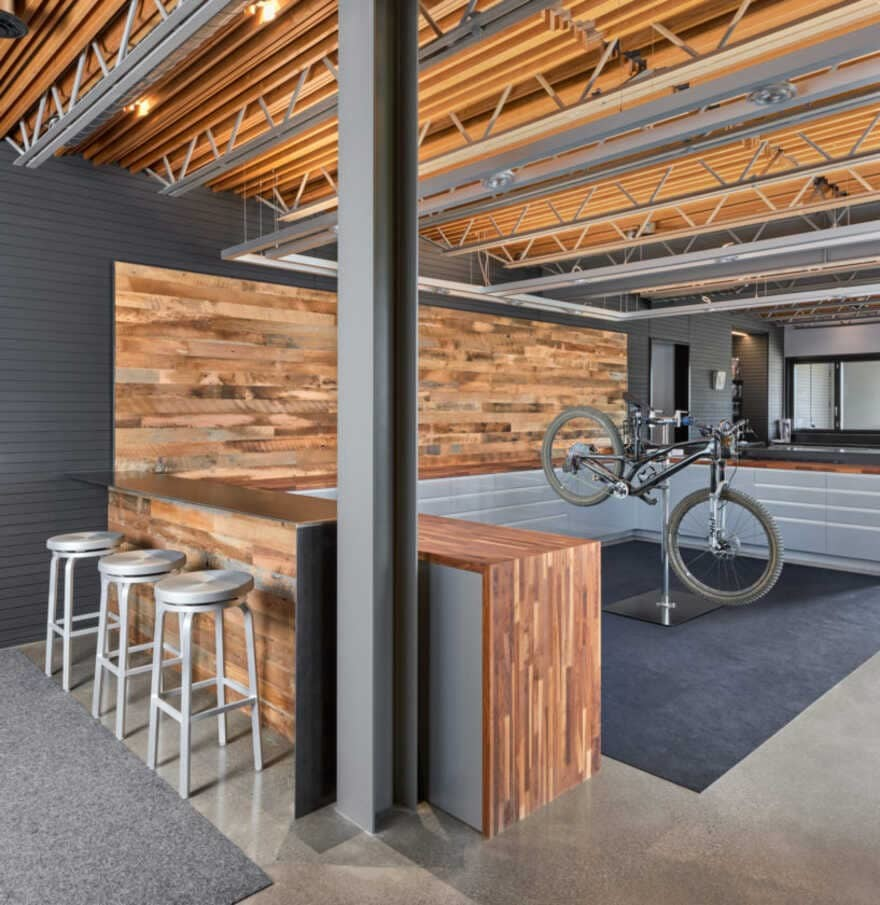 Trailhead House, a Base for Outdoor Adventures in Central Oregon