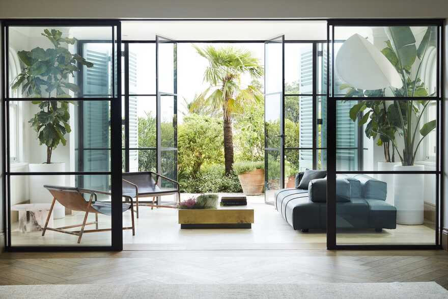Peppertree Villa, a 1920s Home Revived and Refreshed by Luigi Rosselli Architects