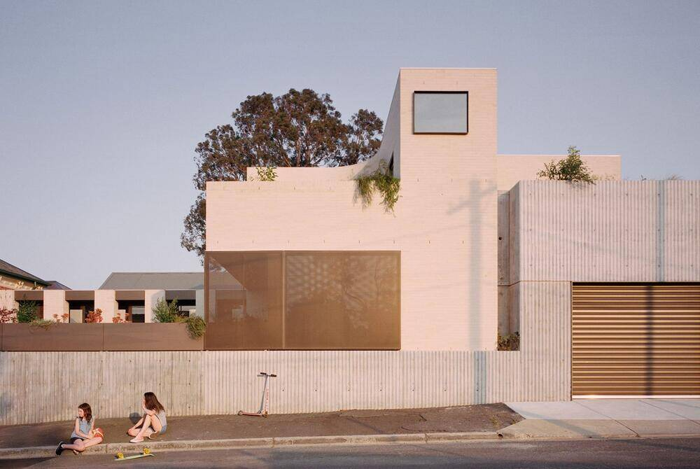 Ruckers Hill House by Studio Bright