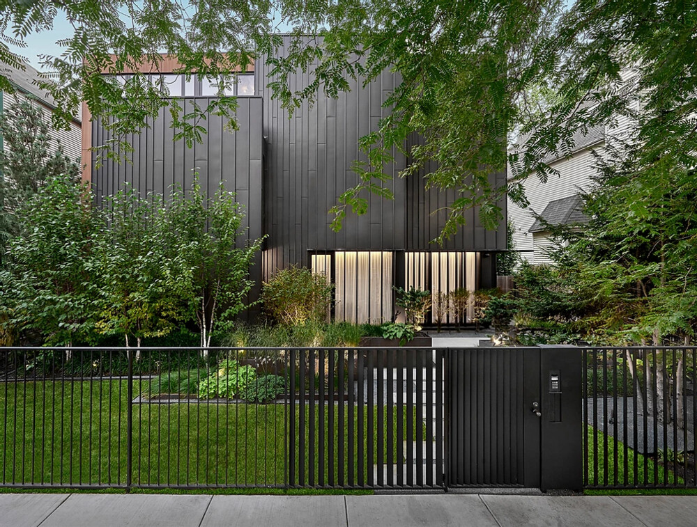 Zinc Residence, a Lakeview Home with a Strong Connection to the Outdoors