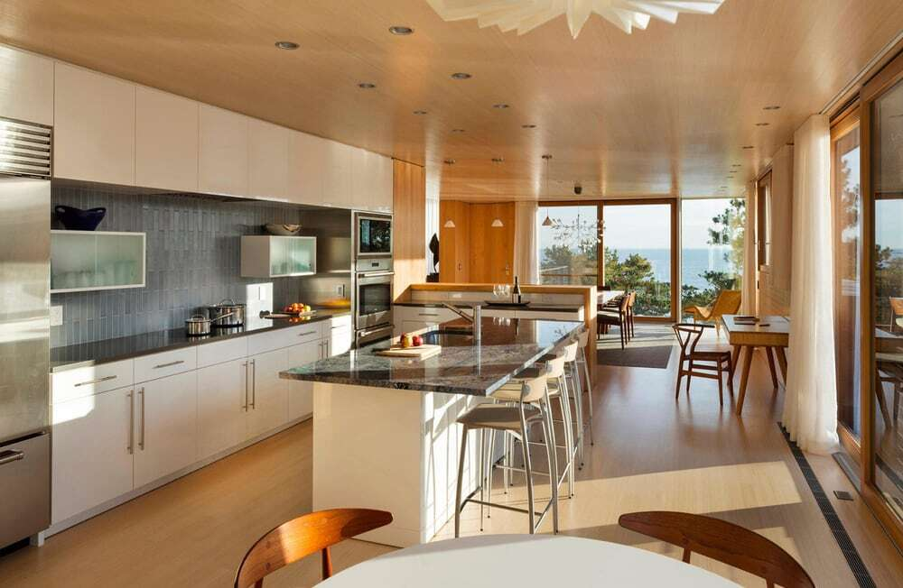 kitchen, Gray Organschi Architecture