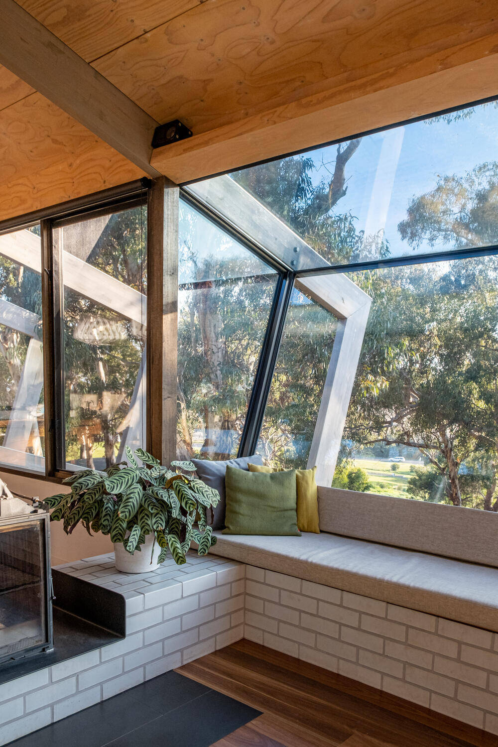 Bellarine Hillside House by Freehand Projects