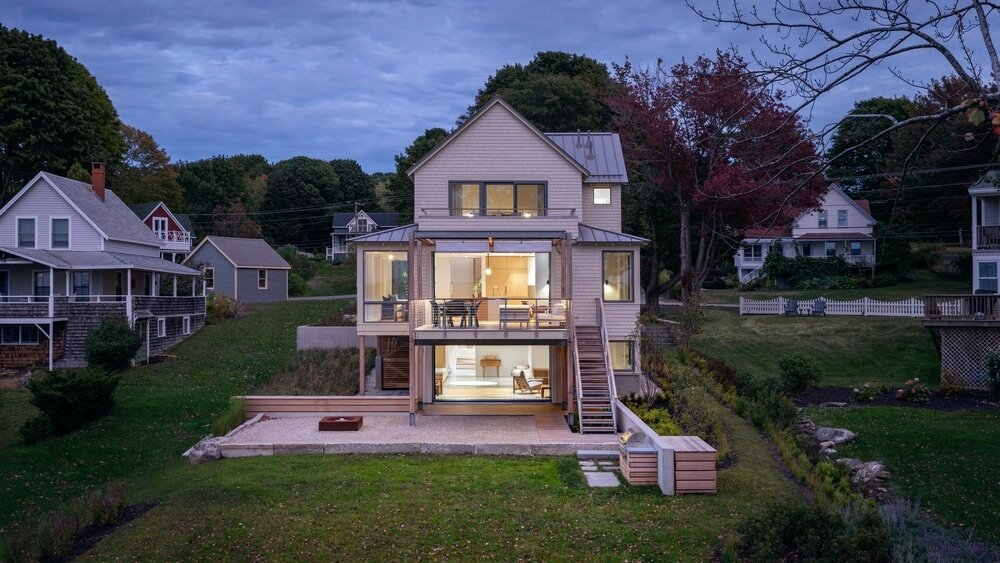 Peaks Island Cottage by Whitten Architects