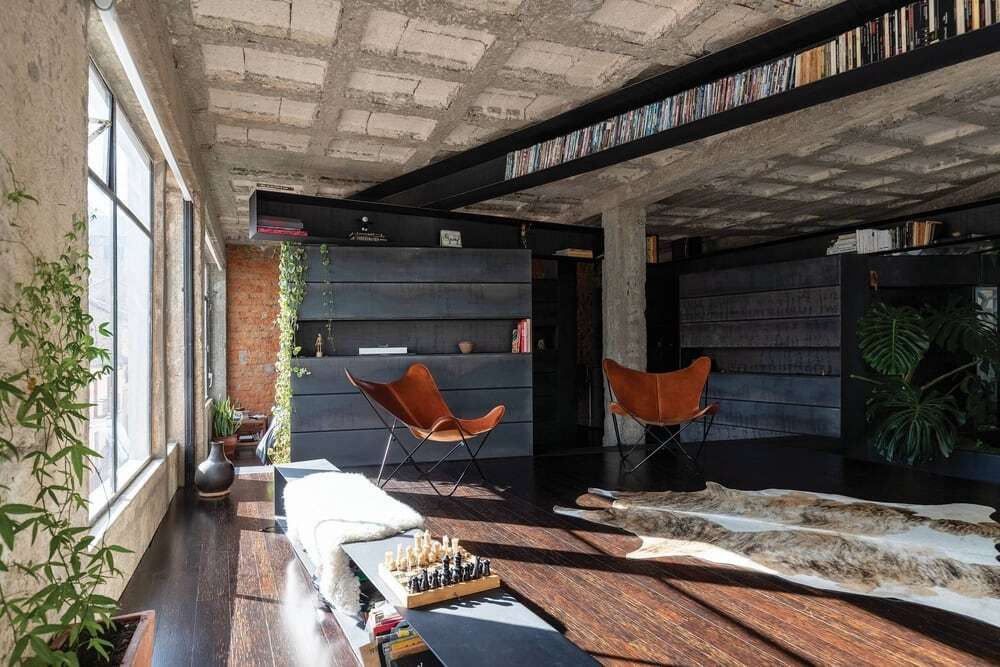 Forest Apartment by Aquiles Jarrín Featuring Exposed Concrete Columns and Ceiling