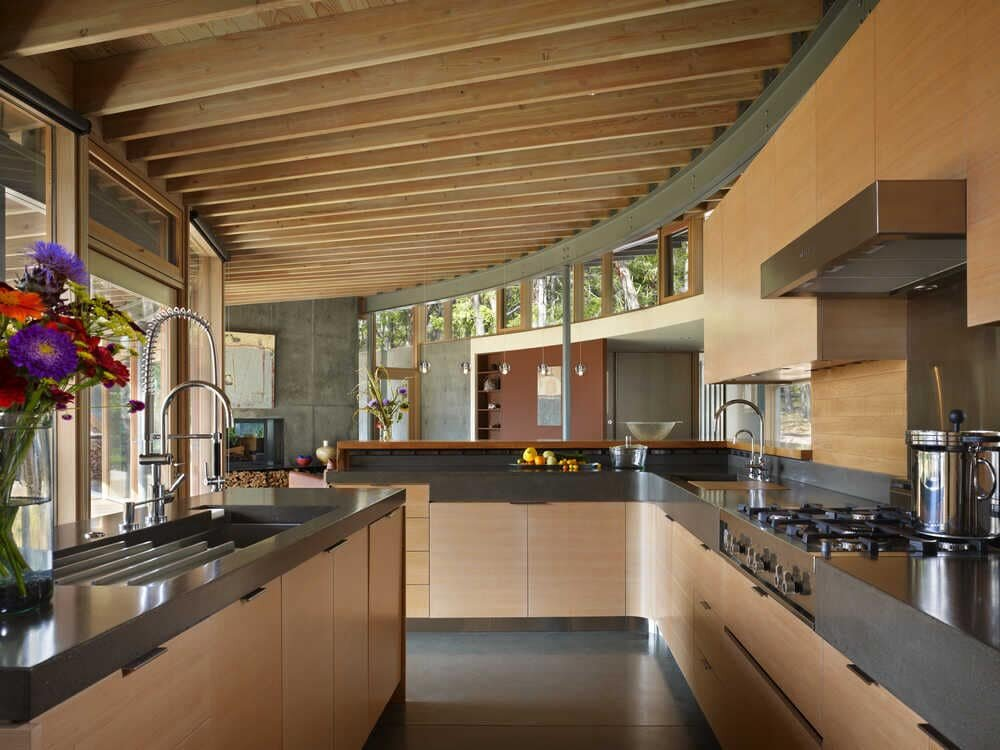 Suncrest Retreat, Orcas Island, a Peaceful Home by Heliotrope Architects