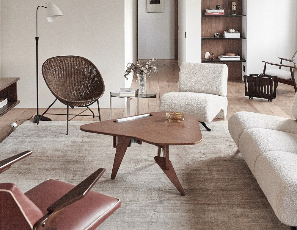 1960's Apartment Completely Renovated by Atelier PECLAT + CHOW in Jardins Neighborhood