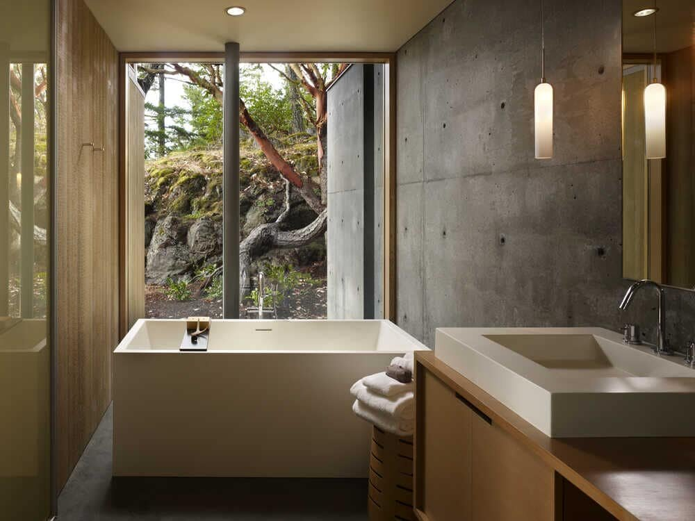 bathroom, Peaceful Home by Heliotrope Architects