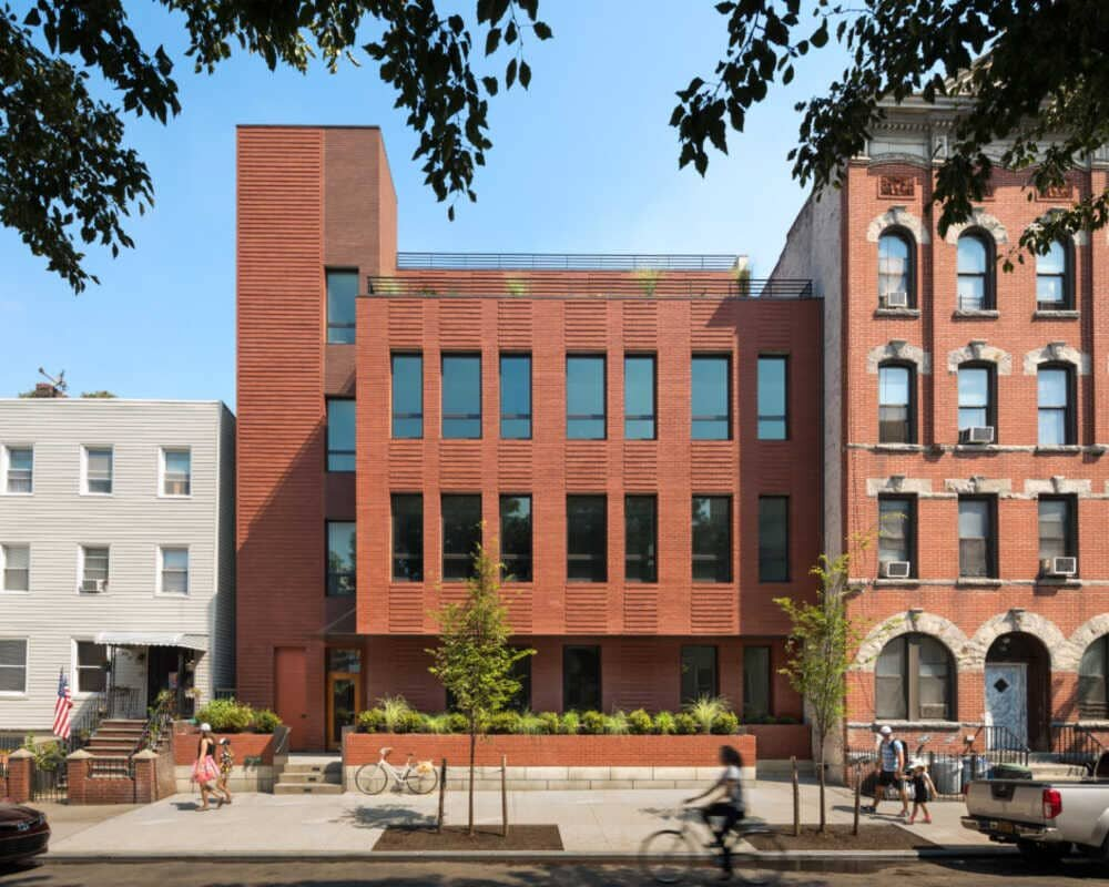 Greenpoint Condominium in Brooklyn by Lubrano Ciavarra Architects
