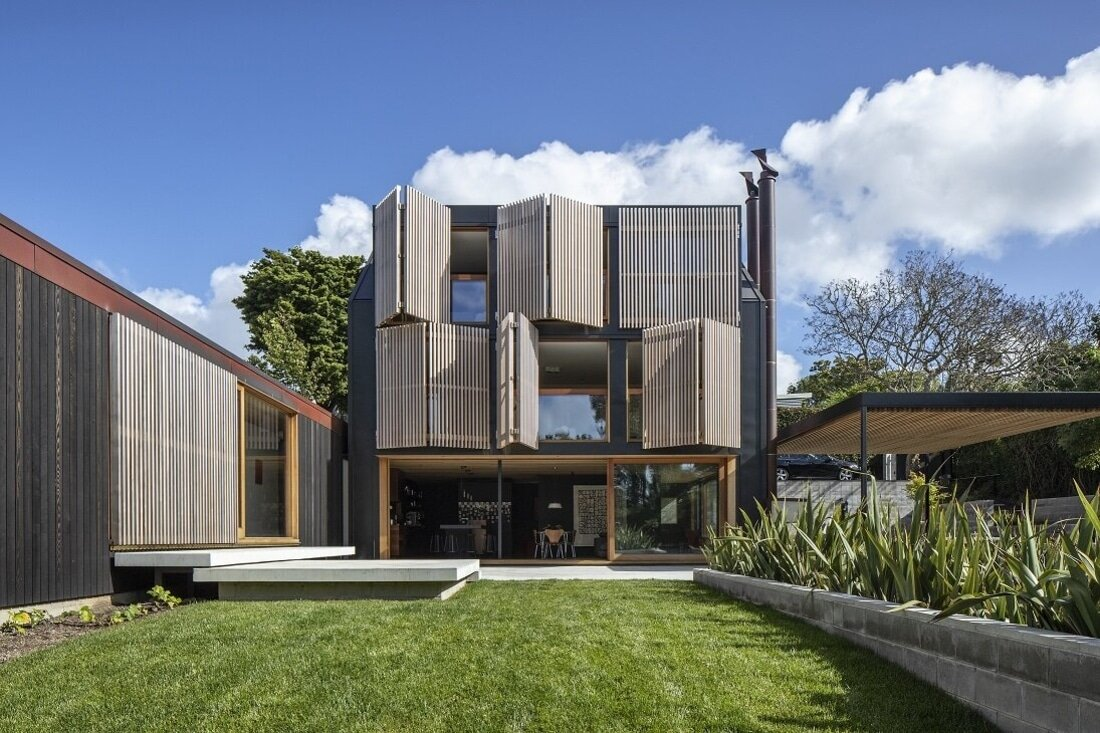 Contemporary Family House Influenced by a Mid-Century Style