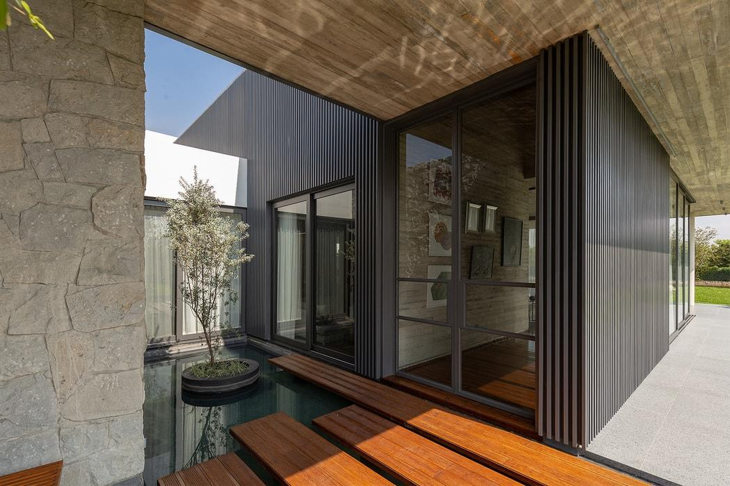 6M Residence by Jannina Cabal & Arquitectos