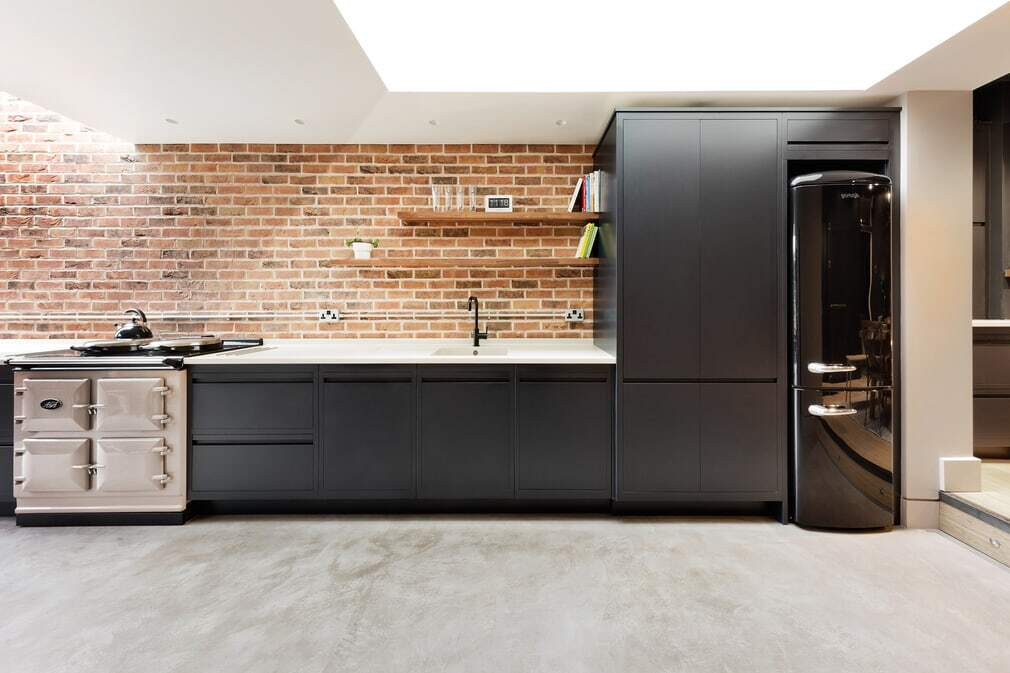 kitchen, Family Home in Warsash / Adam Knibb Architects