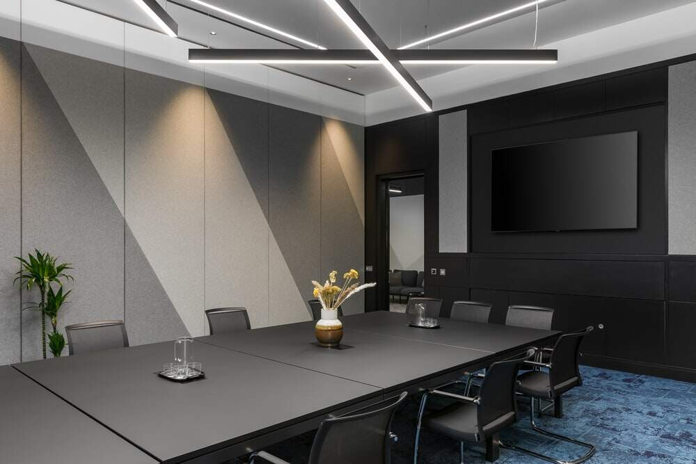 meeting room by Oktra